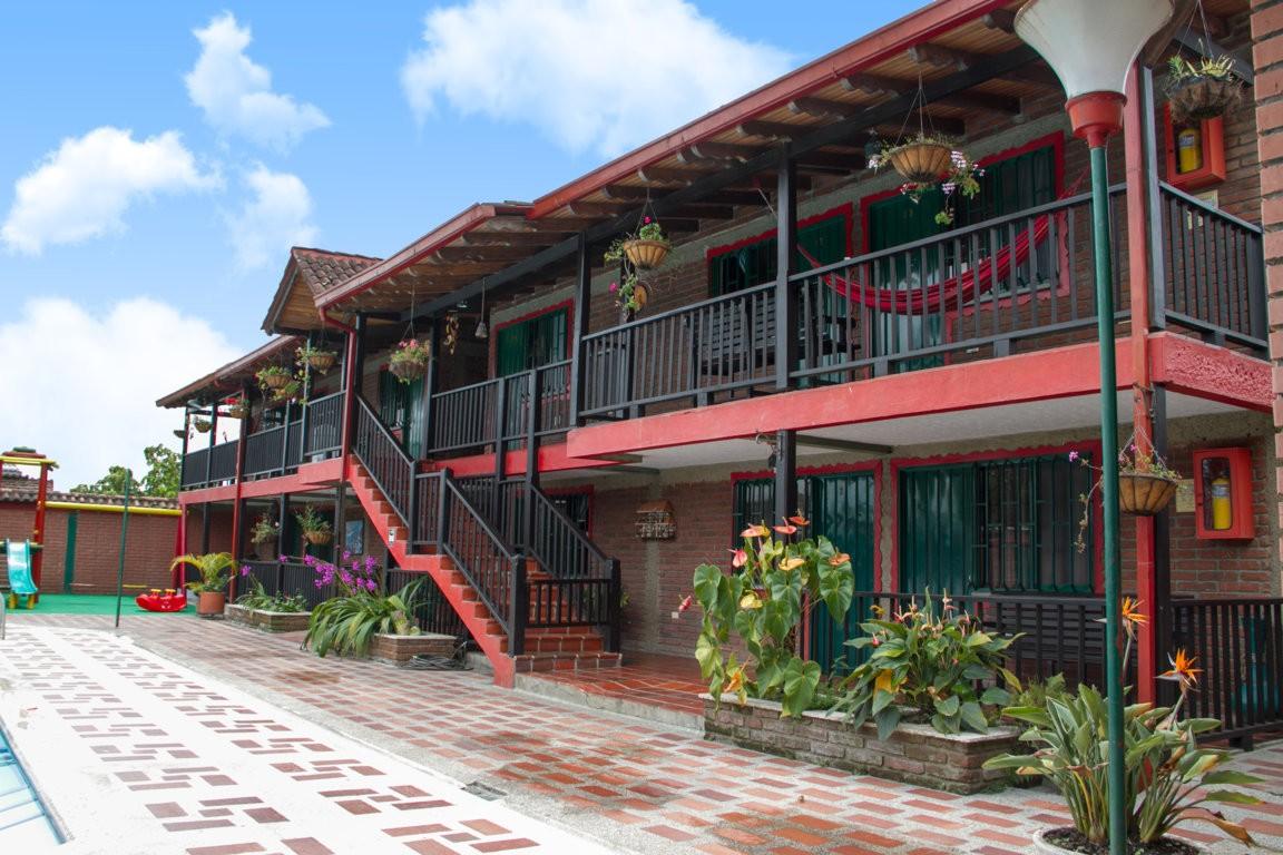 Hotel Brisas del Calima Lago Calima (solo a 2 minutos de la orilla del lago en carro)