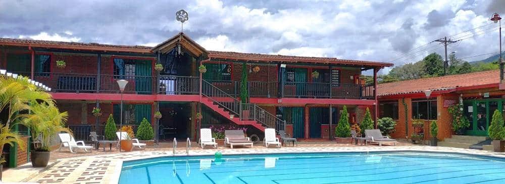 habitaciones con piscina en el hotel brisas del calima lago calima